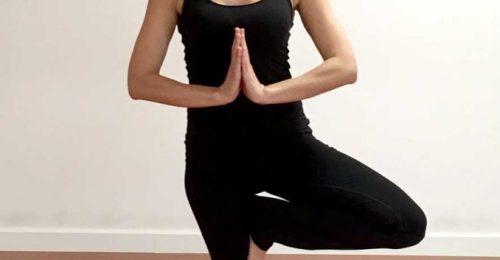 Inés Ortiz - Profesora Yoga en Zaragoza - Postura